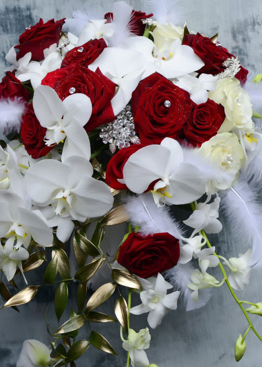 Red bouquet with feathers